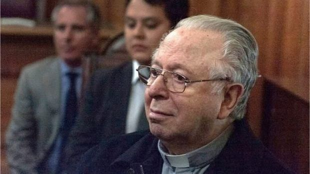 Karadima hanya dihukum oleh Vatikan terkait kasusnya, tanpa diproses secara hukum.  (AFP)