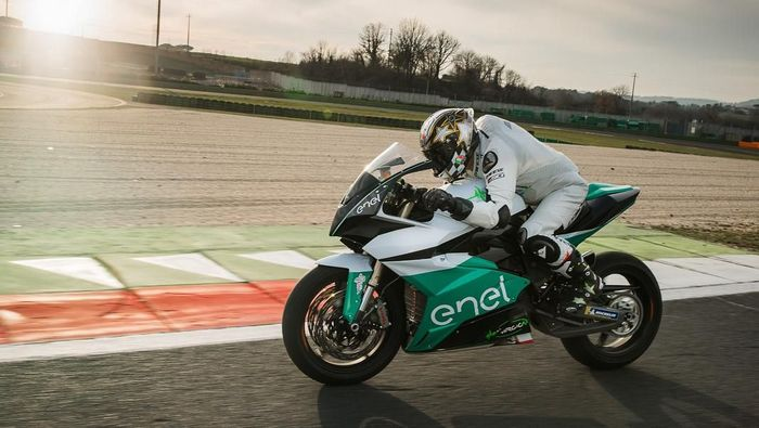 Spesifikasi MotoE membuat motor ini bisa menembus top speed 270 km/jam Foto: Instagram @motogp