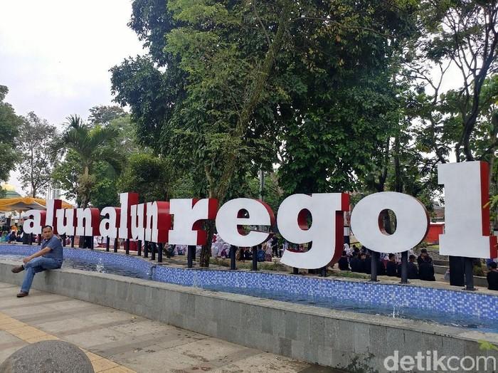 Dulu Keueung Kini Alun Alun Regol Jadi Wisata Baru Di Bandung
