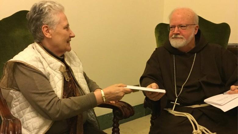 Surat Korban Pelecehan Seks Cile Bertentangan dengan Keterangan Paus