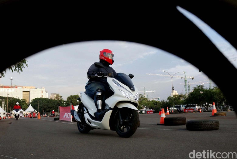 Honda PCX 150. Foto: Rifkianto Nugroho