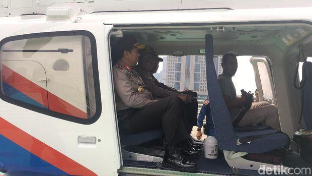 Naik Heli, Wakapolda Metro Cek Debit Air di Bendung Katulampa