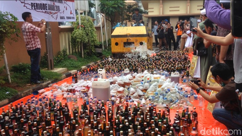 Polisi Cari Pemilik Toko Jamu Diduga Penjual Miras GG di Depok