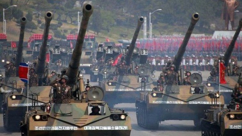 Jelang Olimpiade Musim Dingin di Korsel, Korut Gelar Parade Militer