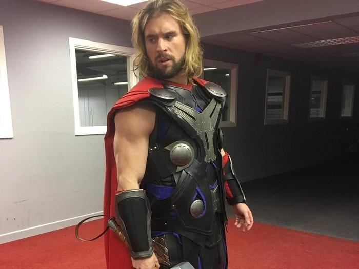 Thor di dunia nyata yang idap cystic fibrosis. Foto: Instagram/benmudge_