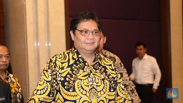 Menteri Perindustrian, Airlangga Hartarto hadir dalam dalam acara soft launching CNBC Indonesia di Hotel Raffles, Jakarta (8/2/2018). (CNBC Indonesia/ Muhammad Sabki)