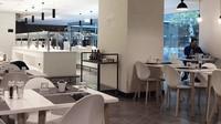 Tahun 2018 ini, situs RewardExpert yang bergerak di bidang kartu kredit dan hadiah travel mereview 15 bandara dengan makanan terbaik. Di nomor 15, ada Bandara Fuimicino Roma dengan Antonello Colonna Open Bistro sebagai tempat makan terbaiknya (Antonello Colonna Open Bistro)