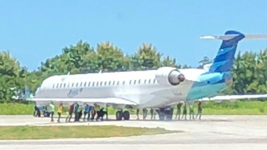Pesawat Garuda Alami Kerusakan Ban Usai Take Off di Bali