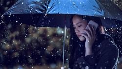 Curah hujan yang tinggi belakangan ini membuat daya tahan tubuh cepat drop karena kedinginan. Tapi tenang, selalu cara sehat untuk menghangatkan diri.
