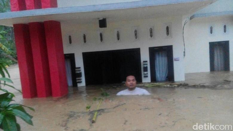 Longsor dan Banjir Hingga 2 Meter Terjadi di Jepara