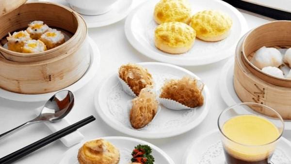 Sebagai bandara terbaik dunia, Bandara Changi di Singapura meraih peringkat 4 untuk urusan makanan. Rumah makan Imperial Treasure Cantonese Cuisine pun didapuk sebagai yang terbaik di Changi (Imperial Treasure Cantonese Cuisine)