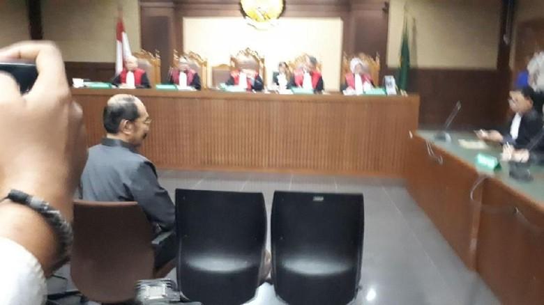 Terungkap, Novanto Kabur di Hotel Sentul untuk Hindari KPK