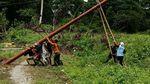 Bangga! Begini Perjuangan Terangi 3 Desa di Pulau Buru