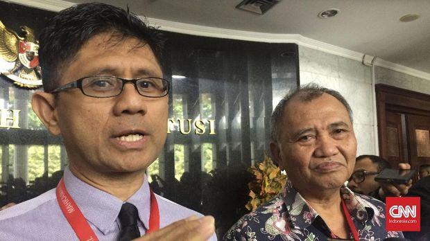 Dua mantan pimpinan KPK yang memohon uji materi UU KPK, Laode M Syarief dan Agus Rahardjo.