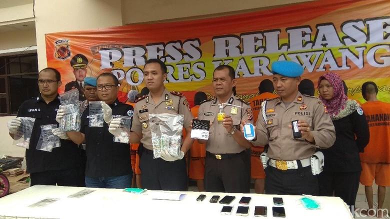Edarkan Tramadol ke Anak Jalanan, 2 Anak Punk di Karawang Diciduk