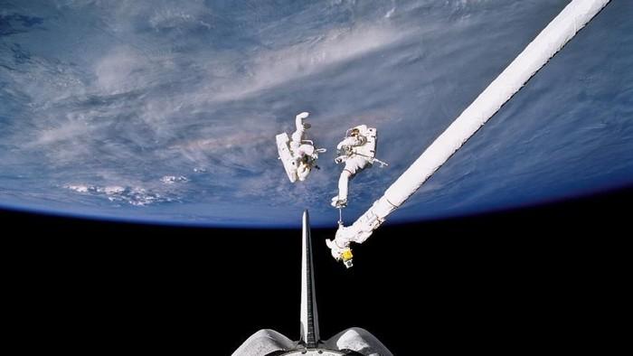 Spacewalk Keren