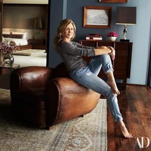 Mewah, Harga Sofa di Rumah Jennifer Anniston Ini Bisa Beli 5 Rumah Lagi