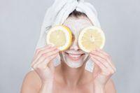 Kulit Lebih Cerah dengan Olesan 3 Masker Lemon Alami