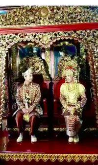 Raditya Dika dan Anissa Aziza.