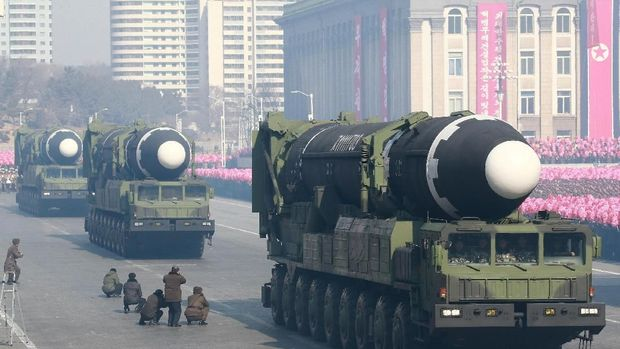 Intercontinental ballistic missiles are seen at a grand military parade celebrating the 70th founding anniversary of the Korean People's Army at the Kim Il Sung Square in Pyongyang, in this photo released by North Korea's Korean Central News Agency (KCNA) February 9, 2018. KCNA/via REUTERS  ATTENTION EDITORS - THIS PICTURE WAS PROVIDED BY A THIRD PARTY. REUTERS IS UNABLE TO INDEPENDENTLY VERIFY THE AUTHENTICITY, CONTENT, LOCATION OR DATE OF THIS IMAGE. NO THIRD PARTY SALES. NOT FOR USE BY REUTERS THIRD PARTY DISTRIBUTORS. SOUTH KOREA OUT.