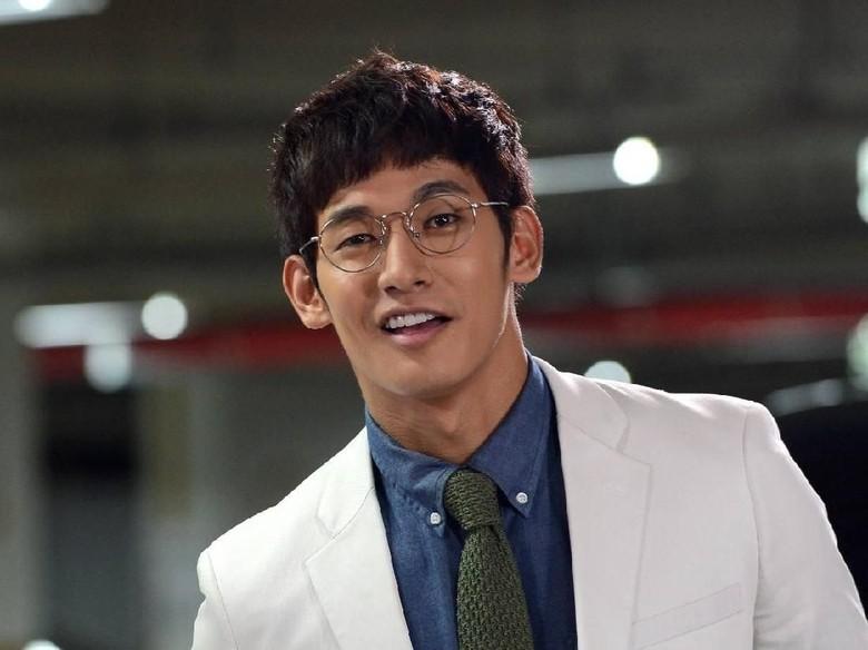 Aktor Korea Jung Suk Won Ditangkap Polisi karena Narkoba