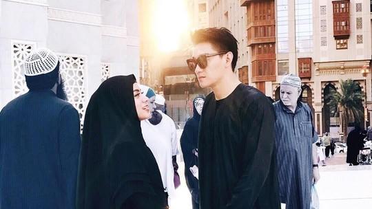 Baju Putih Jadi Busana Couple Terakhir Ifan dan Dylan Sahara