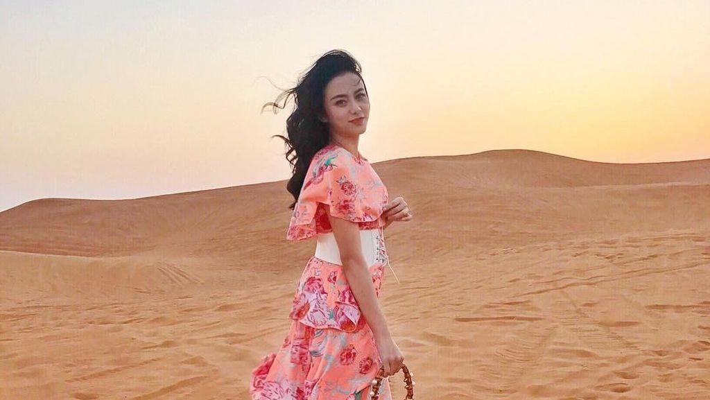 Foto: Liburannya Istri Ifan Seventeen yang Cantik