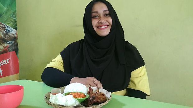 Bebek goreng sambal durian