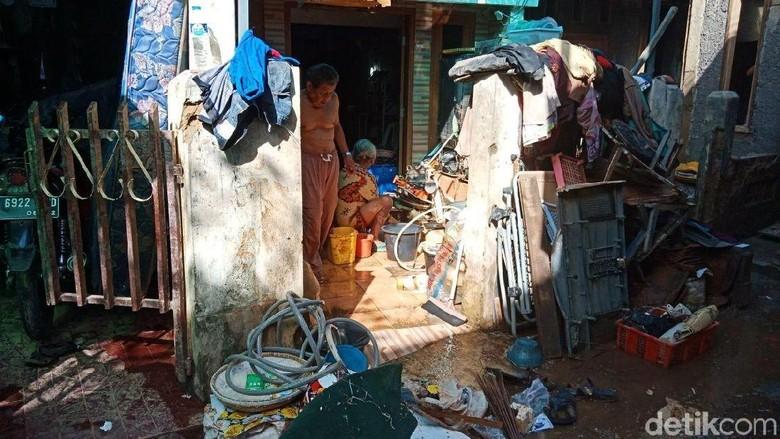 Curhat Warga Kampung Pulo Usai Rumahnya Diterjang Banjir