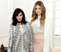 Kim dan Khloe Kardashian Terciduk Ngantre Pakai Rolls-Royce di McD