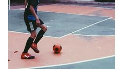 Beranjak remaja, Abidzar Al Ghifari disebut mirip dengan Zayn Malik. Selain itu, ia juga gemar berolahraga. Yuk intip seperti apa gayanya.