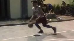 Pacar Bianca Jodie Indonesian Idol yaitu Bhacty Muda Bijaksana ternyata jago main basket. Mau lihat aksinya kerennya? Yuk intip di sini.