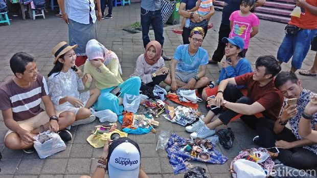 Tantangan Seru dTraveler With OPPO F5 di Pasar Sukawati, Bali