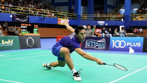 Jonatan Christie mengalahkan Sun Feixiang di perempat final Selandia Baru Terbuka 2019. (