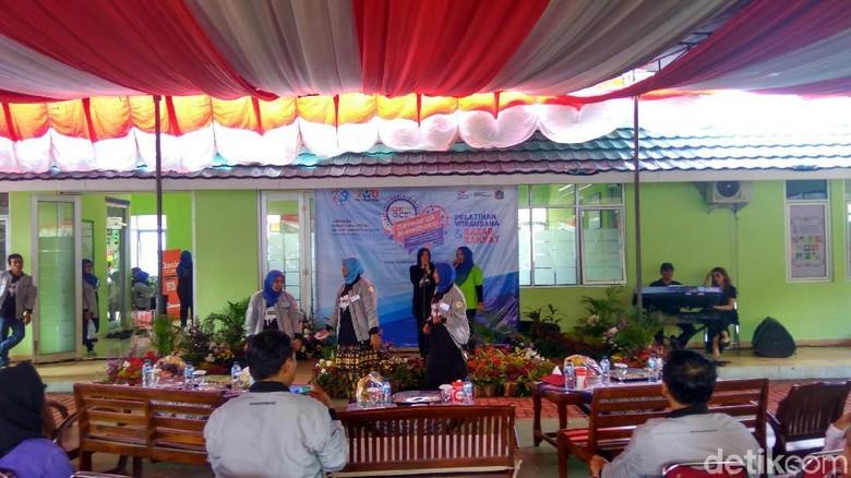 Peresmian Jaringan Wirausaha OK OCE, Warga Kemayoran Dangdutan