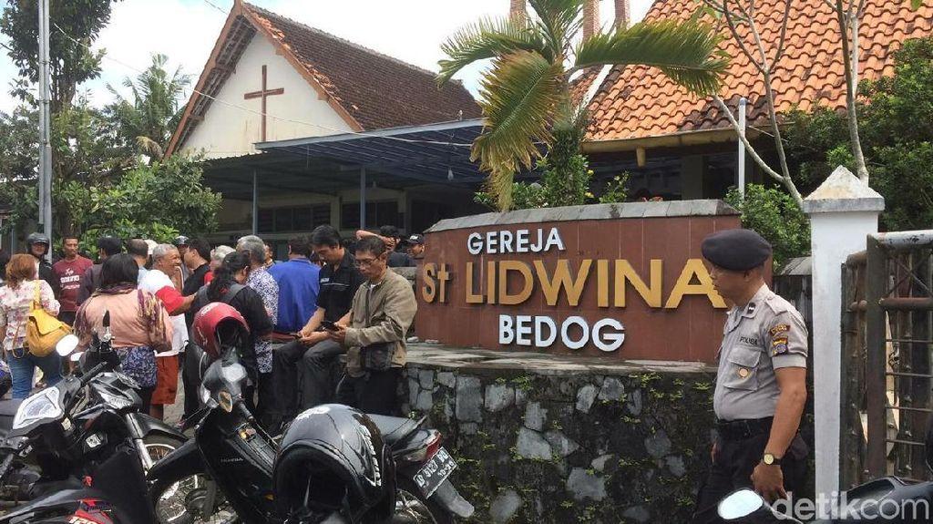 Foto: Gereja Santa Lidwina Sleman yang Diserang
