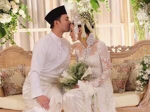 Cantiknya Whulandary Herman Resmi Dipinang Nik Ibrahim