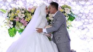 Angel Lelga Menangis Pergoki Vicky Prasetyo Selingkuh
