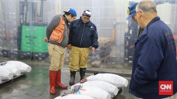 Menikmati Estetika Pasar Ikan Numazu