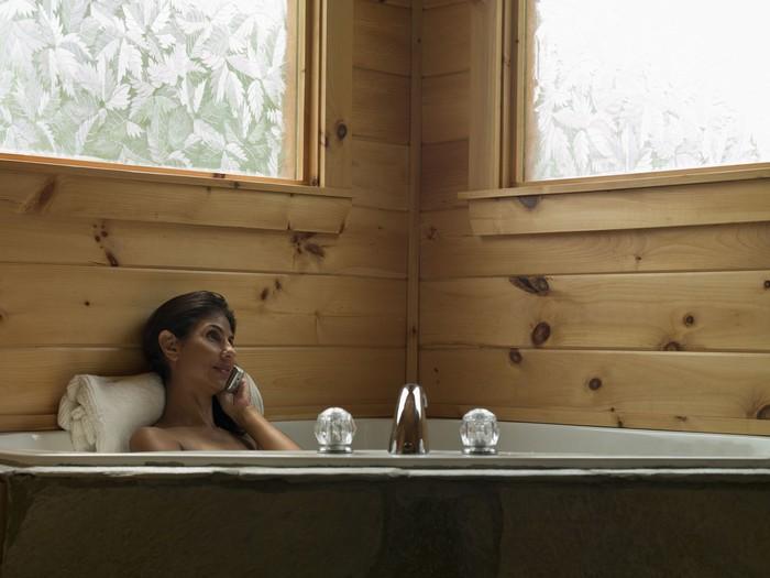 Sebuah penelitian di Inggris mengungkap orang dewasa menghabiskan waktu lebih lama di toilet dibanding untuk olahraga. Makin lama berada di toilet, makin sedikit pula waktu untuk olahraga. Foto: Thinkstock