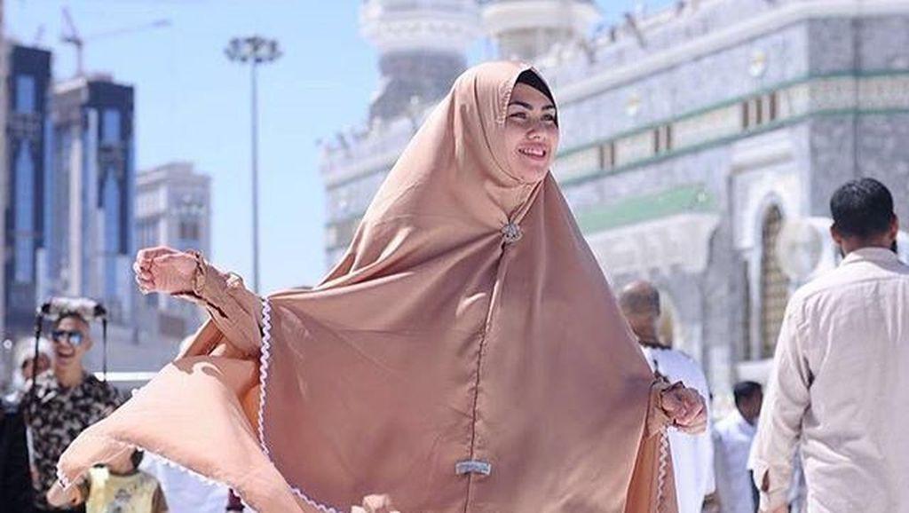 Isi Kajian, Kartika Putri Niat Jadi Ustazah?
