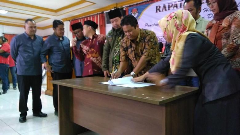 KPU Tetapkan Dua Calon Gubernur Jatim