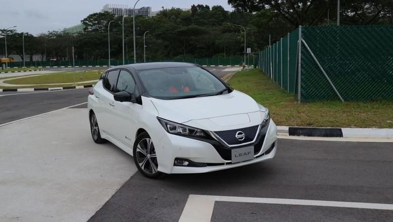 Nissan Leaf Foto: Dina Rayanti