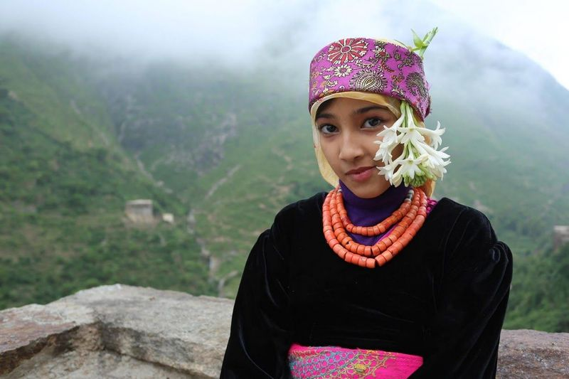 Puncak Pegunungan Dhalamlam, terdapat pemukiman yang belum modern. Mereka hidup tanpa listrik atau air mengalir. (Abduljabbar Zeyad/Instagram)