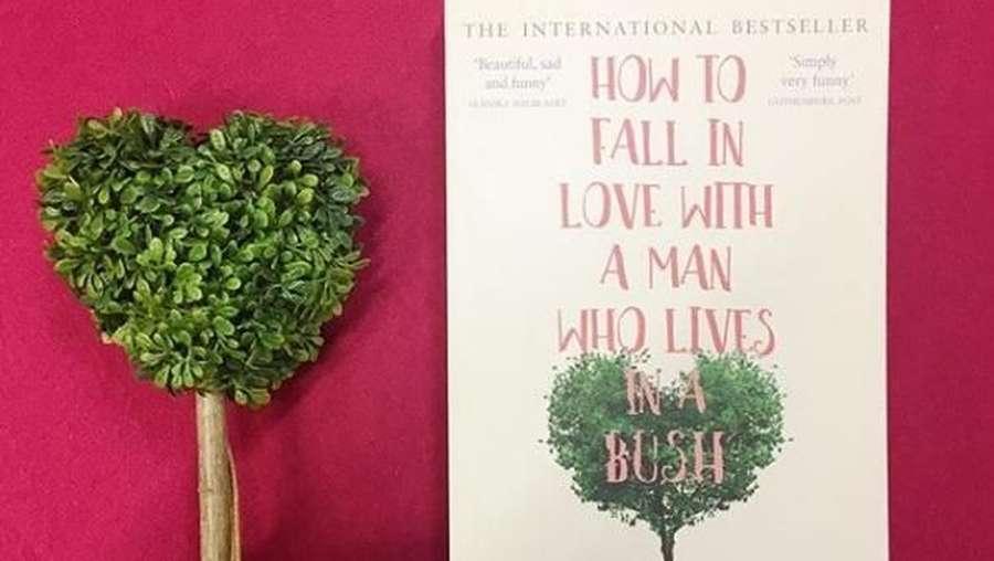 Wanita Ini Tulis Kisahnya yang Jatuh Hati kepada Tunawisma