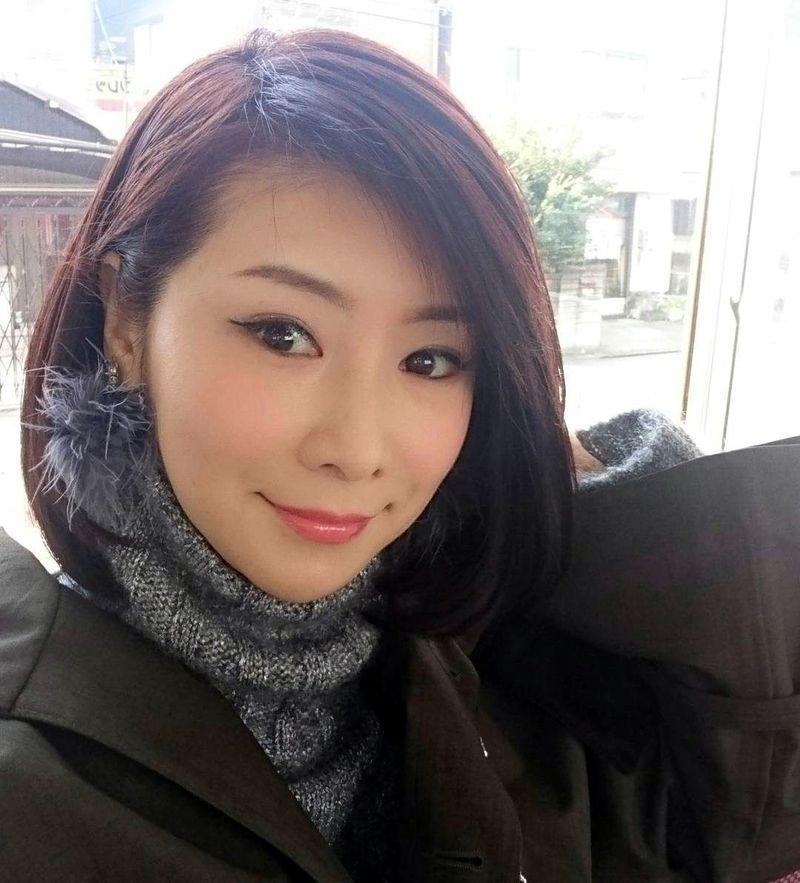 Nama Masako Mizutani masih asing di telinga traveler Indonesia. Tapi di Jepang, kecantikan Masako yang berusia 50 tahun ini membuat orang heran. (Instagram/Masako Mizutani)