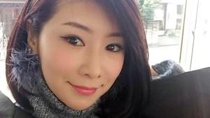Foto: Gaya Liburan Model Cantik Jepang Paling Awet Muda