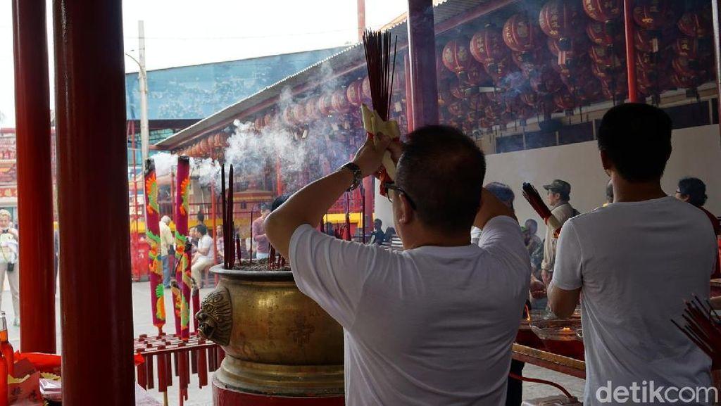 Foto: Toleransi Agama di Petak Sembilan Glodok