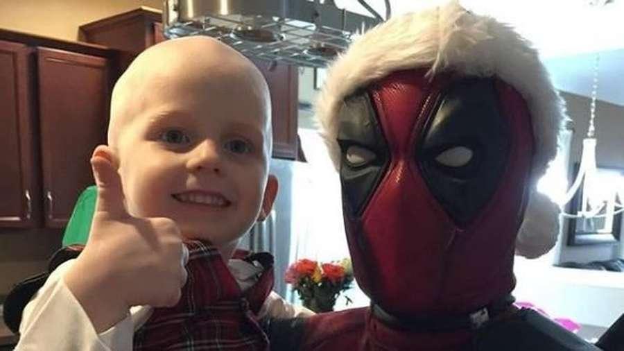 Real Hero! Kisah Sedih Cosplayer Deadpool dan Anak Pengidap Kanker