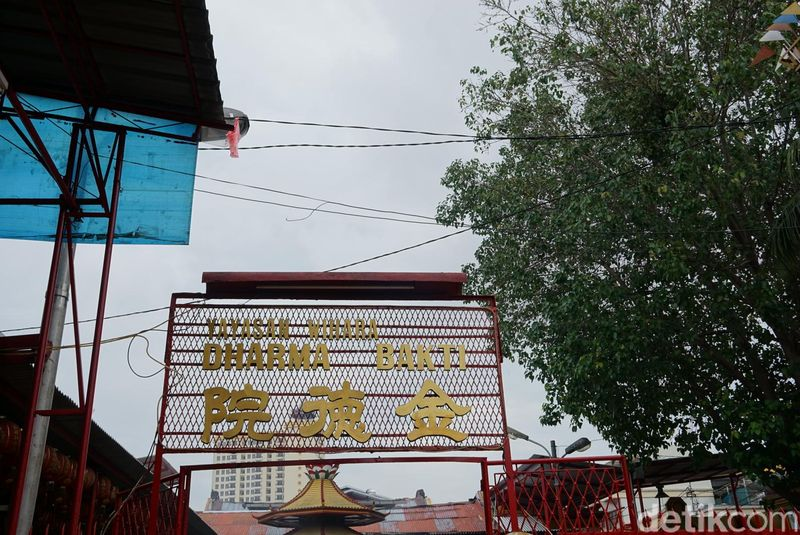 Yayasan Dharma Bakti, merupakan salah satu tempat ibadah bersejarah dan legendaris di Jakarta. Ini karena sejarahnya yang merupakan lambang toleransi umat beragama (Shinta/detikTravel)